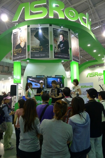 Visitors gathered at ASRock s booth for OC Show 2