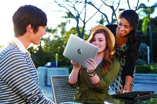 HP SlateBook10 x2_lifestyle